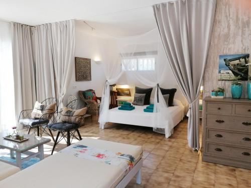 CASITA JOANA 2020 Formentera - one room (40qm) with living and sleeping Area